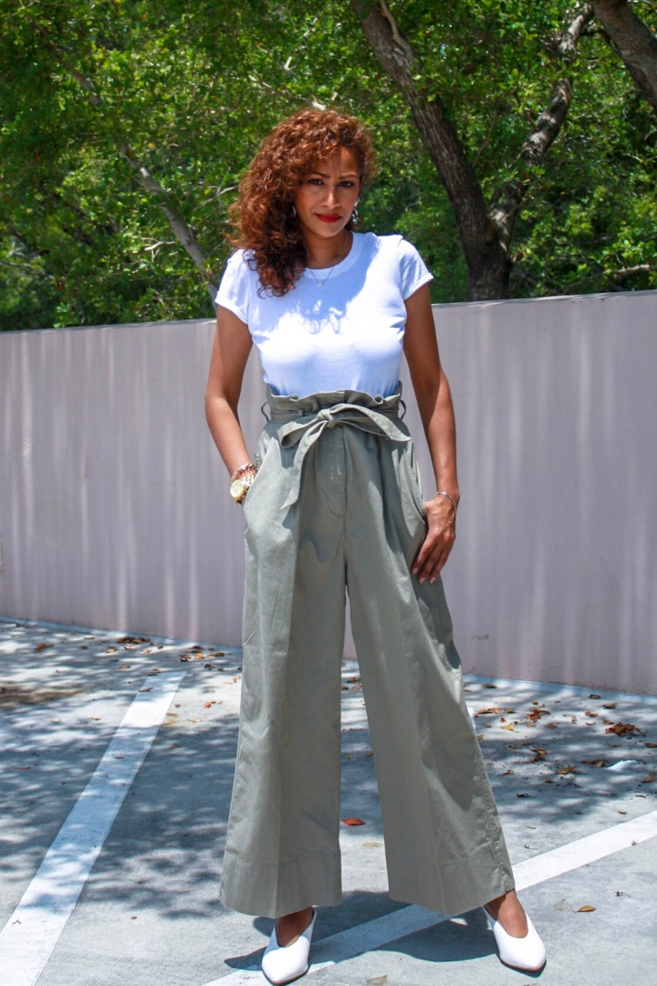 Neutral Ground :: Stepping out in Wide Leg Pants + Six of my Petite Wide Leg Styling Tips